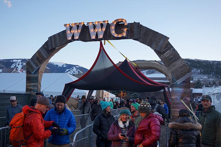 WinterWonderGrass entrance